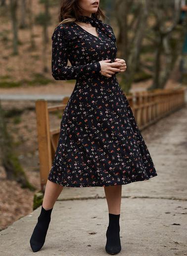 XHAN Yakası Bağlamalı Çiçek Desenli Elbise 9Yxk6-41728-02 Siyah